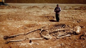 c92ac-giant-skeleton-smithsonian-conspiracy